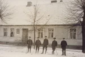 """die """"Herren von der Post"""", Lindenstraße 12 (früher 10)"""