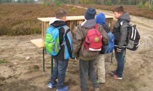 Fühlkästen 300x180 Grundschüler aus Walsleben und Wildberg erkundeten die Kyritz Ruppiner Heide