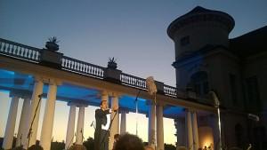 Der Innenhof des Schloß Rheinsberg mit Blick auf den Grienericksee ist ein traumhafter Ort für Open-Air-Inszenierungen