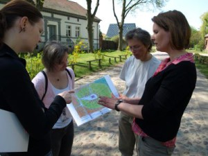 Natur- und Landschaftsführerinnen bei einer Exkursion