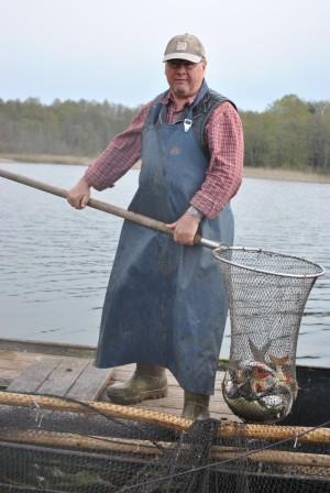 Kummreuse4 300x448 Naturschutz und Fischerei in einem Boot