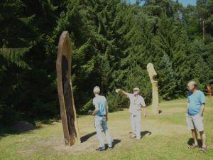Kunstsymposium 3 300x225 In Bewegung   Ausstellung Malerei und Skulpturen von Kuno Lomas