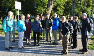 Pagel mit wandergruppe 300x180 Zum bundesweiten Naturparkwandertag an den Stechlin