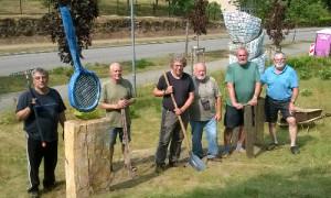 Skulpturenaufstellung 017 300x180 Dorfverein Menz stellt Skulpturen auf