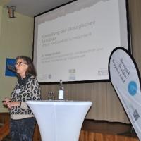 Dr. Harriet Gruber von der Landesforschungsanstalt für Landwirtschaft und Fischerei Mecklenburg-Vorpommern