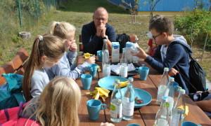 diskussion 300x180 Menzer Naturparkschule besucht Rheinsberger Preussenquelle