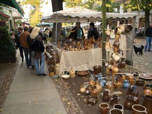 Der Rheinsberger Töpfermarkt ist überregional bekannt.