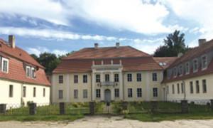 schloss 300x180 6. Kunstsalon in Dannenwalde   Halt auf freier Strecke