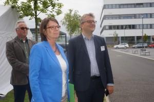 Umwelministerin Priska Hinz mit Landrat Ulrich Krebs und Uwe Hartmann beim Besuch der AG Hessischer Naturparkträger