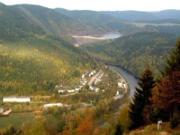Natur und Technik - faszinierende Ausblicke von der Rohrbahnbrücke am Oberbecken des Pumpspeicherwerkes Hohenwarte_BA Beate Graumann