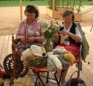 Das Naturmaterial Wolle eignet sich für eine Vielzahl von Handaarbeiten BA Beate Graumann