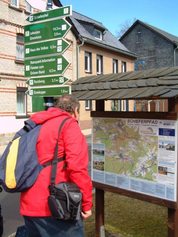Wanderer am Schieferpfad BA Beate Graumann 620x826 Einladung zur Geopark Tagung 2014