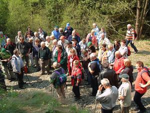 Geführte Wanderungen mit Naturführern bietet der Naturpark-Veranstaltungsplan an, BA Beate Graumann