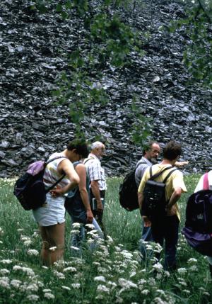 wandern 1 1 300x429 Veranstaltungen im Naturpark im Monat April
