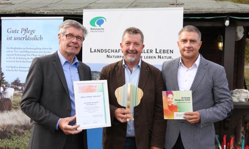 """© Naturpark Sauerland Rothaargebirge Volker Prutti 82 Beitrag """"Vorbildliches Projekt""""   """"Natur erleben verbindet"""" ausgezeichnet"""