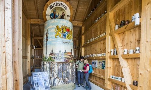 04 3 Bild Produkt Oberpfälzer Wald Größter Bierkrug der Welt Foto Thomas Kujat Oberpfälzer Bier