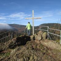 Aschenbergstein mit Blick auf den Inselsberg im Geopark Thüringen Inselsberg-Drei Gleichen - Copyright: Stephan Brauner