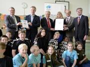"""Auszeichnung der Weerth-Schule als """"Naturpark-Schule"""" - Copyright: VDN"""