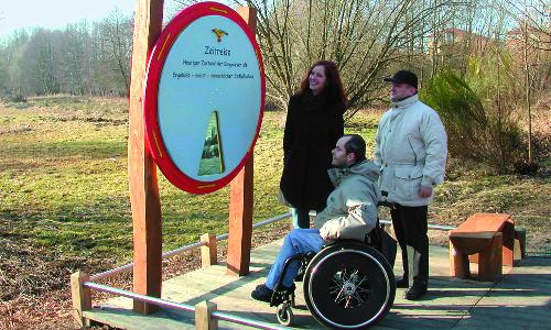 BP Hoher Fäming Rollstuhl Auf guten Wegen   Erlebnispfade in Naturparken