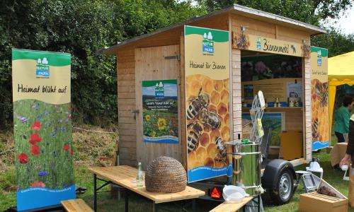 """DSC 0336 beitrag """"Dufte Bienen"""" – Bienenschutz in Naturparken"""