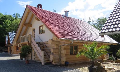 """Eifel Chalet Blockhaus Aussen web Foto Eifel Chaletb """"Anders reisen"""" — Ungewöhnliche Reiseangebote aus Naturparken"""