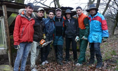 Freiwillige Helfer mit Dammbachs Bürgermeister Roland Bauer © Christian Salomonb Natürlich sozial – Natur erleben für alle