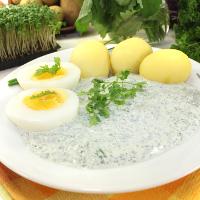 frische Frankfurter grüne Soße mit sieben Kräutern