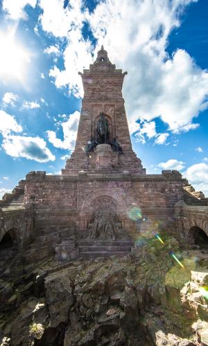 Kyffhäuserdenkmal von A. Jungb Kaiserlicher Ausflug zum Kyffhäuser Denkmal