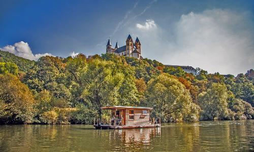 Mit dem Hausboot die Lahn entdecken  Kanucharter Michael Hofmannb Unterwegs auf Lahn und Rhein