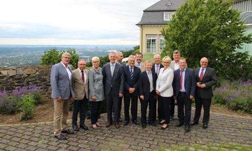"Petersberger Naturparkgespräche 30 06 2016 1©Naturpark Rheinland 2 ""Historischer Rahmen""   12. Petersberger Naturparkgespräch"