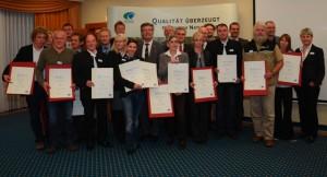 """Freudige Gesichter bei der Auszeichnung zum """"Qualitäts-Naturpark"""" - Copyright: VDN"""