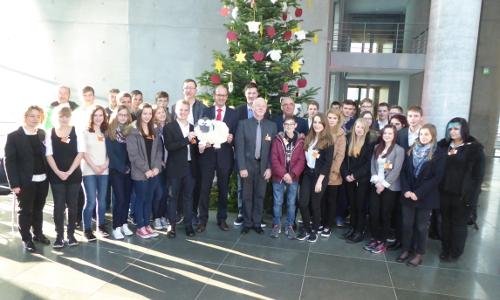 Pressebild beitrag Große Freude   Weihnachtsbaum für den Deutschen Bundestag