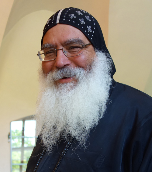 Prominent Bischof Damian©Jennifer Peppler 500Px Bischof Anba Damian