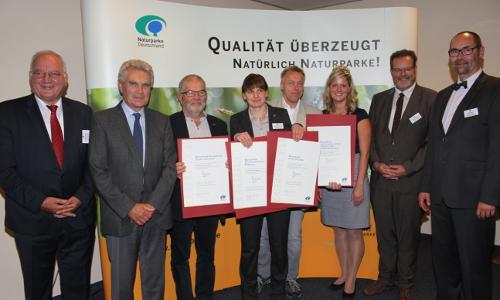 """Qualitätsoffensive 2016 Beitrag """"Qualität bewiesen!"""" – Sechzehn Naturparke ausgezeichnet"""