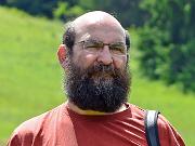 Ralf Koch bei der Fledermauskontrolle - Ralf Koch bei der Fledermauskontrolle - Copyright: Naturpark Nossentiner-Schwinzer Heide/Jörg Gast