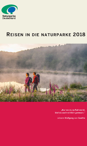 """Reisebroschüre Titel webb """"Ab in die Natur!"""" – Reisen in die Naturparke 2018"""