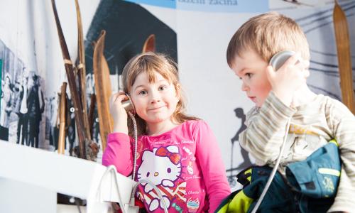 Skimuseum für Groß und Klein ein Erlebnisb NaturparkWelten im Grenzbahnhof Bayerisch Eisenstein