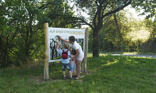 Steckbrief Naturpark Obstwiesenschild© Naturpark F.Grawe 24 500x300Px Der Naturpark Teutoburger Wald/Eggegebirge