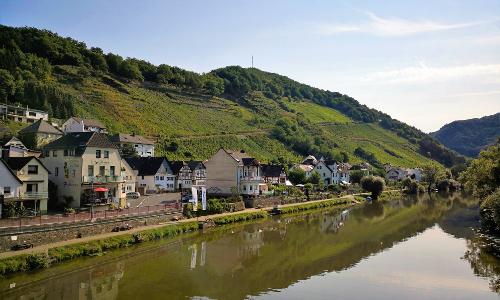 Weinbergslagen bei Obernhof Stefan Eschenauerb Lahnwein – eine echte Rarität