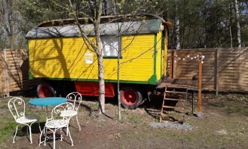 """Zirkuswagen Tiny House am See Foto Bert Daske 20190416 145930b """"Anders reisen"""" — Ungewöhnliche Reiseangebote aus Naturparken"""