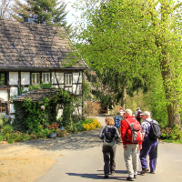 Wandern durch Dörfer © VDN/Ulrike Sobick