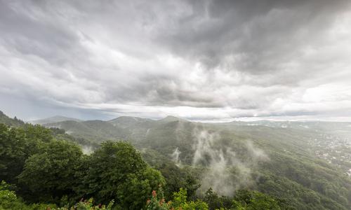 schlechtwetter im wildnisgebietb Sieben Berge und mehr – Naturpark Siebengebirge