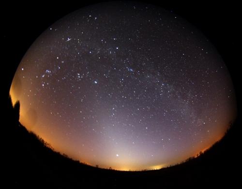 Sternenhimmel über Gülpe Was am Tage die Blumen auf der Wiese sind, sind nachts die Sterne am Himmel